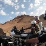 Entre amis sur le voyage moto Harley au Maroc